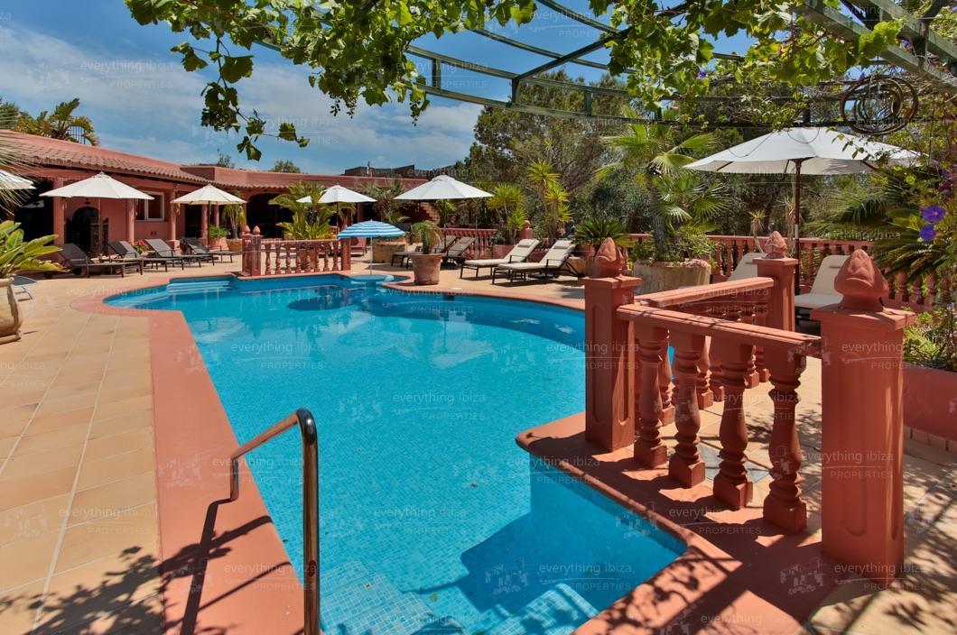 ei-703-14can-sol-villa-holiday-rental-ibiza-property-10