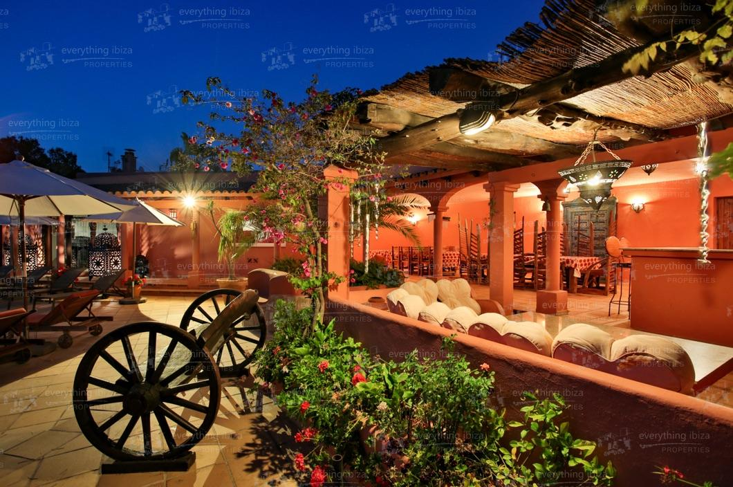 ei-703-44can-sol-villa-holiday-rental-ibiza-property-50