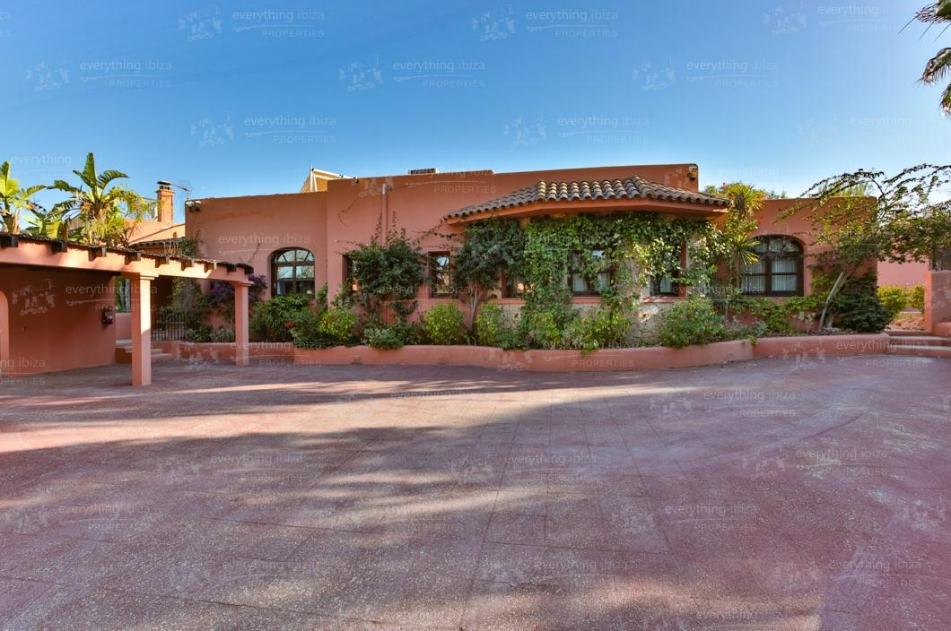 ei-703-45can-sol-villa-holiday-rental-ibiza-property-35
