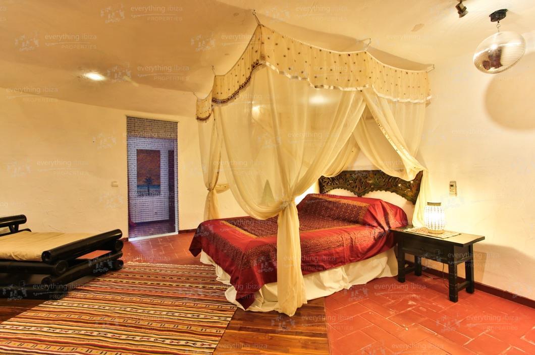 ei-703-48can-sol-villa-holiday-rental-ibiza-property-34