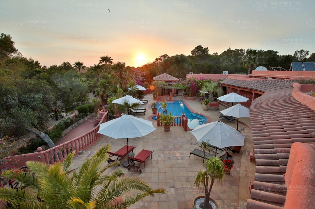 ei-703-61can-sol-villa-holiday-rental-ibiza-property-42