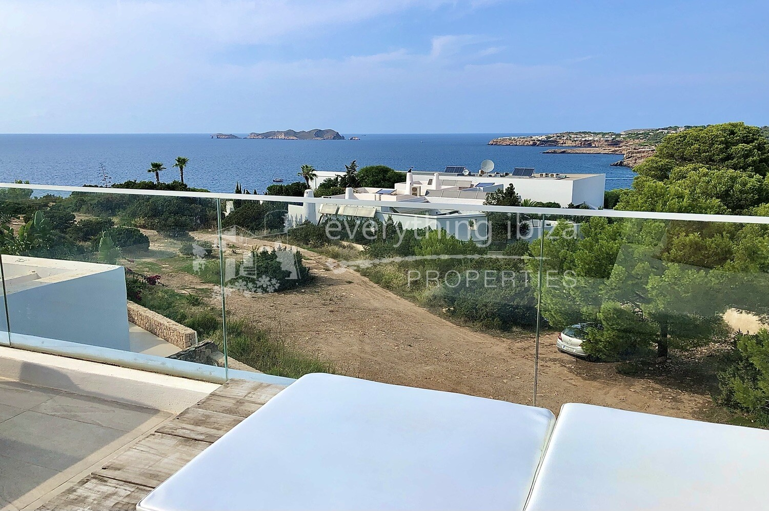 Stylish Townhouse with Sea & Sunset Views, ref. 1393, for sale in Ibiza by everything ibiza Properties